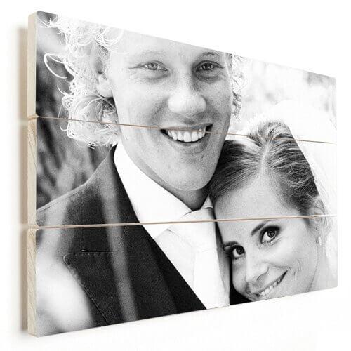 Foto op hout met getrouwd stel