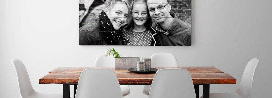 Foto op vurenhout groot in eetkamer