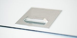 ophangsysteem foto op aluminium